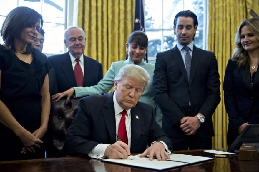 donald-trump-executive-order-small-business.jpg